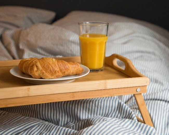 Mejor bandeja para la cama te gusta desayunar en tu cama - Bandeja desayuno cama ...