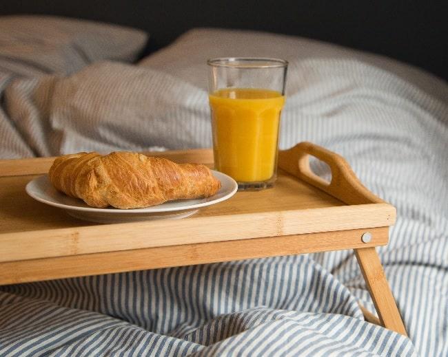 Mejor bandeja para la cama te gusta desayunar en tu cama - Mesitas para desayunar en la cama ...
